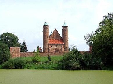 wehrkirche-brochow